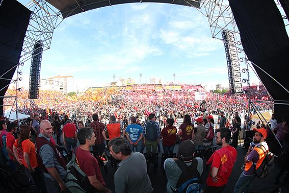 Αργεντινή: Πάνω από 20.000 σε συγκέντρωση του FIT στο Μπουένος Άιρες