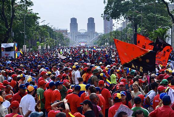 Χ. Αλταμίρα: Ενάντια στον αποκλεισμό του Τραμπ στη Βενεζουέλα & στην απειλή στρατιωτικής επέμβασης
