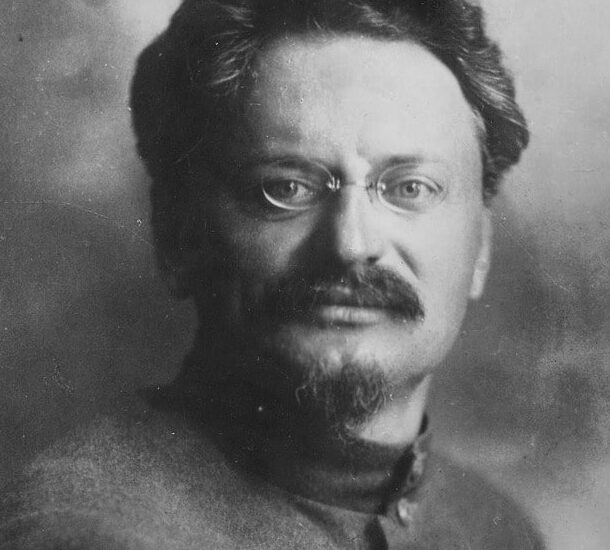 Λ.Τρότσκι : Η Πρωτομαγιά και η Διεθνής