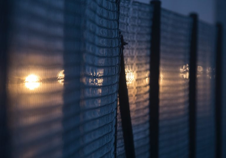Απεργία διαρκείας στην Υπηρεσία Ασύλου για τις Απολύσεις