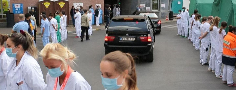 Βελγιο: Μια φωτογραφία ίσον με χίλιες λέξεις. Οι υγειονομικοί γύρισαν την πλάτη στην Πρωθυπουργό