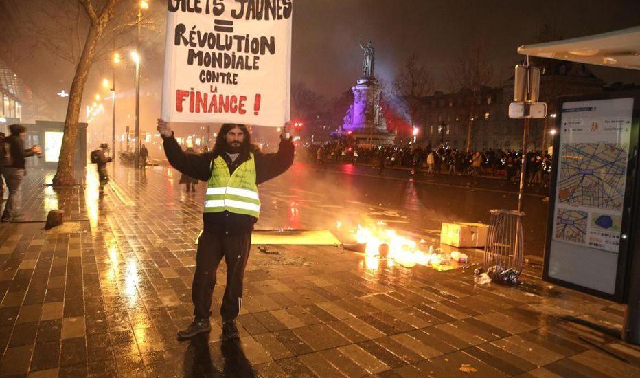 Γαλλία - Νέο κύμα διαδηλώσεων παρά την πανδημία