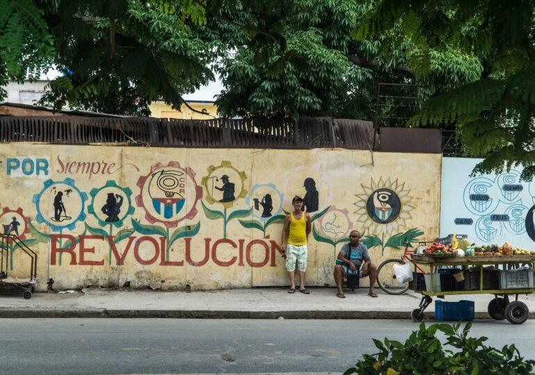 Καλλιτεχνική δημιουργία και επαναστατική στράτευση  στο Χρόνο του τώρα