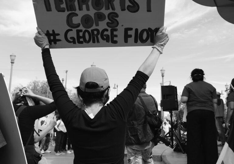 ΗΠΑ-Στρατός και παραστρατιωτικοί κατά διαδηλωτών