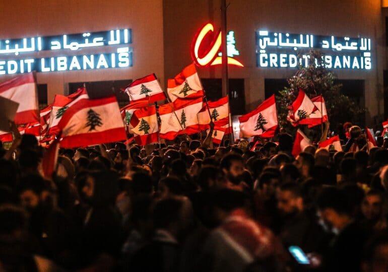 Μετά την καταστροφική έκρηξη, ιμπεριαλιστές πιέζουν το Λίβανο
