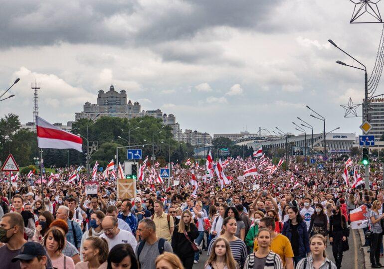 Κέντρο Ρακόφσκι: Η Λευκορωσία σε αναταραχή