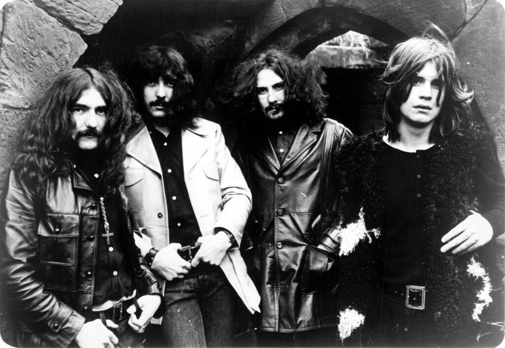 Οι Black Sabbath το 1970. Από αριστερά: Geezer Butler, Tony Iommi, Bill Ward και Ozzy Osbourne. Πηγή: Billboard, σελίδα 7, 18 Ιουλίου 1970