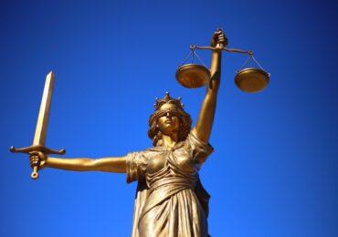 Οι Δικηγόροι δε θα γίνουν πρόβατα που επιλέγουν τους όρους σφαγής τους