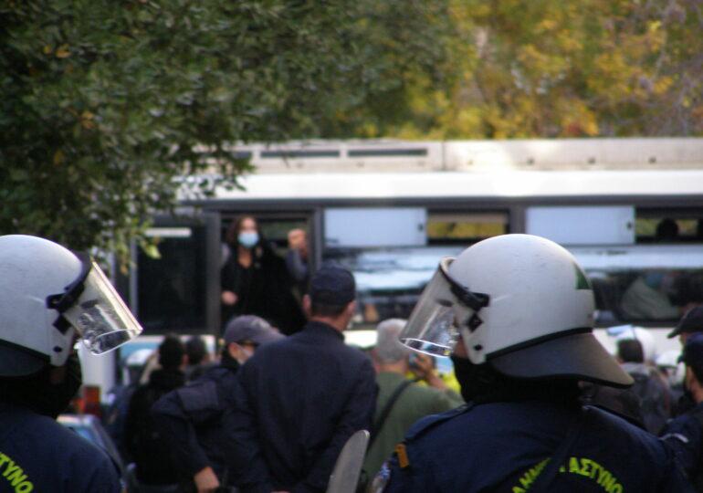 6 Δεκέμβρη 2020: Ωμή αστυνομική βία (φωτορεπορτάζ)