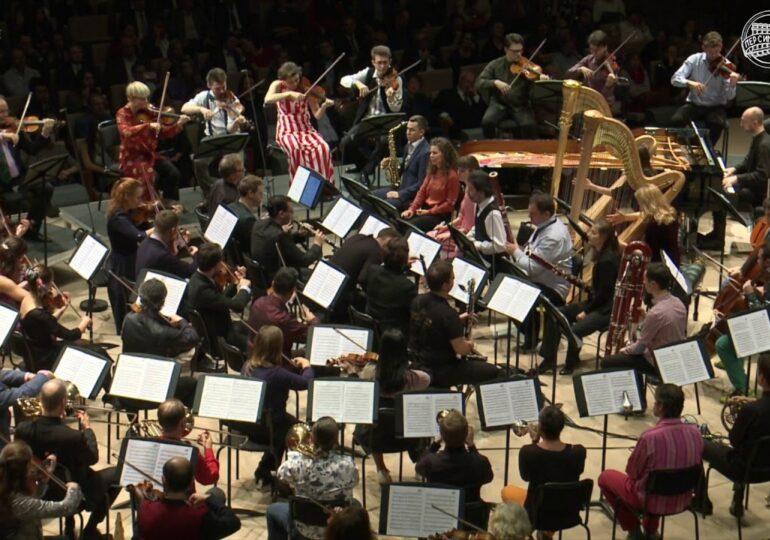 Η επαναστατημένη ορχήστρα