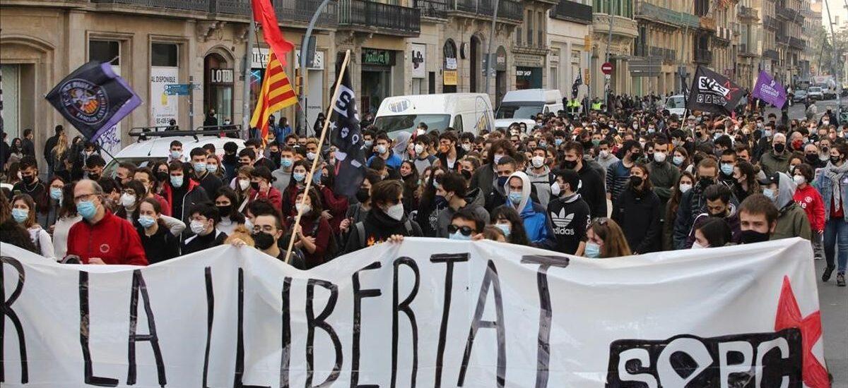 Ισπανία:Νεανική οργή ξεσπά για τη σύλληψη του Pablo Hasél