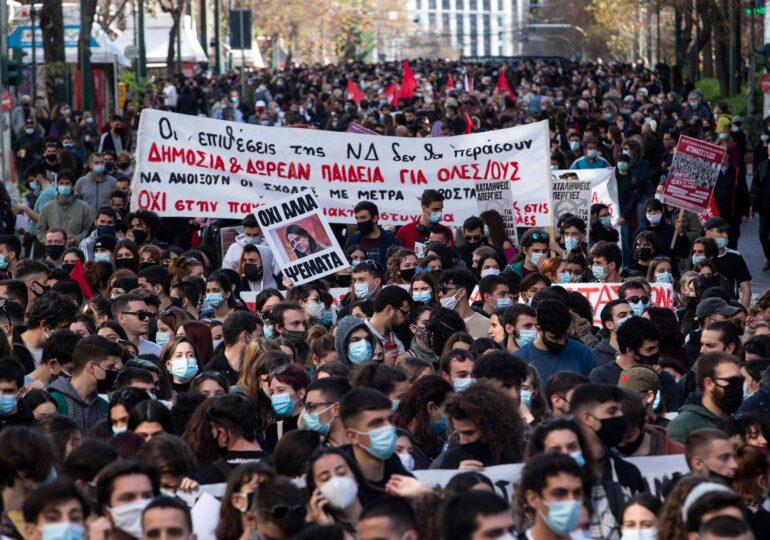 Πλημμύρα νεολαίας και εργαζομένων ενάντια στο νομοσχέδιο Κεραμέως