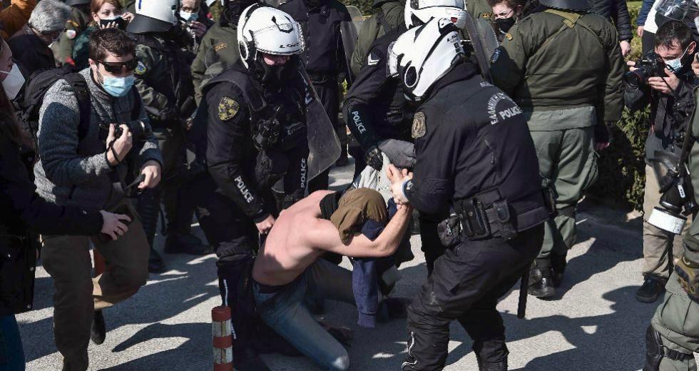 Χουντικού Τύπου Εισβολή της Αστυνομίας στο ΑΠΘ