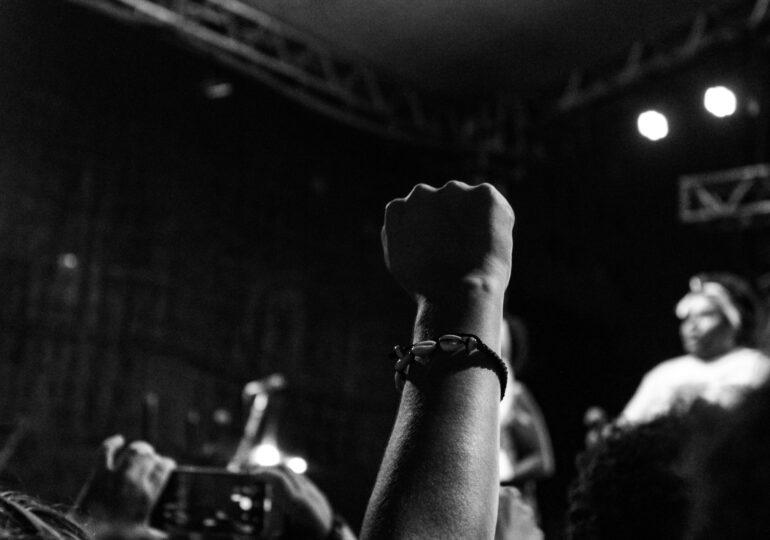 Μουσικοί ενάντια στον τρομο-μουσικό νόμο