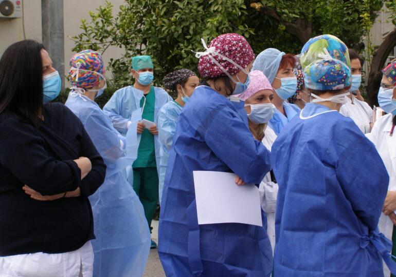 Λουδοβίκοι αναβιώνουν τον «νόμο 4000» ενάντια στους ειδικευόμενους γιατρούς