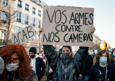 """Γαλλία: Ψηφίστηκε ο νόμος """"Καθολικής Ασφάλειας"""""""