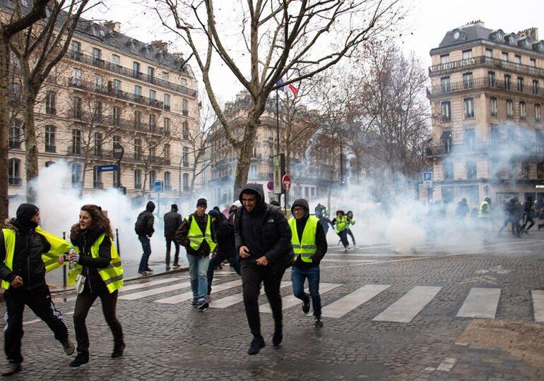 Διαδήλωση-προβοκάτσια αστυνομικών στο Παρίσι