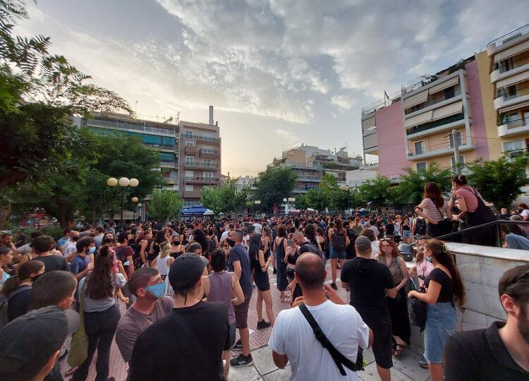Πετράλωνα: Μαζική πορεία οργής για τον βιασμό της καθαρίστριας