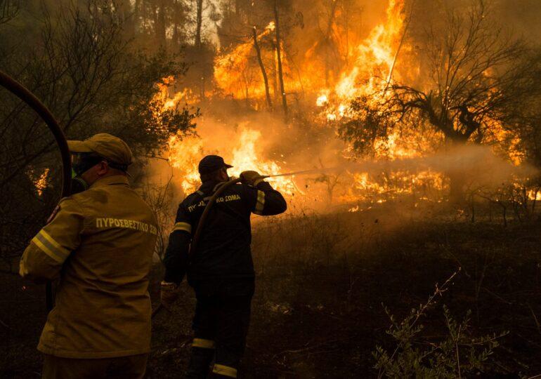 """Οι αριστερές πολιτικές οργανώσεις για τις πυρκαγιές: """"Δεν πάει άλλο!"""""""