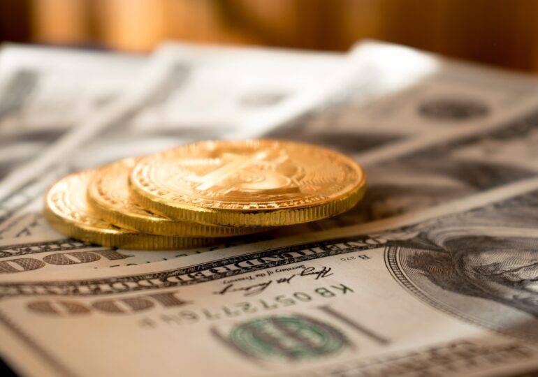 """Ο πληθωρισμός """"τρώει"""" μισθούς - συντάξεις και απαιτεί αυξήσεις"""