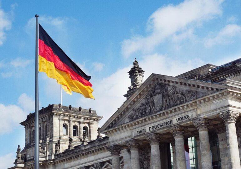 """Γερμανία: Προ των πυλών στροφή αριστερά… με άξονα το """"Κέντρο"""""""