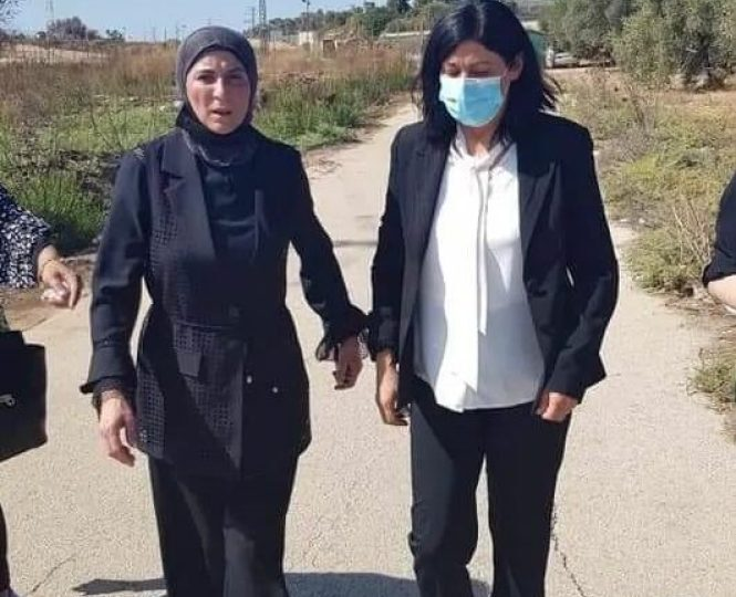 Eλεύθερη η Παλαιστίνια βουλευτής Khalida Jarrar